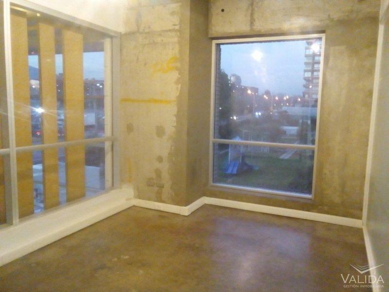 Oficina Arriendo 167 m2 Los Militares / Metro Manquehue