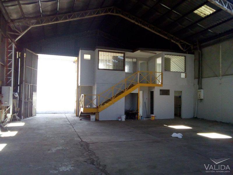 Galpón Industrial  380m2 en 800m2  Cañaveral